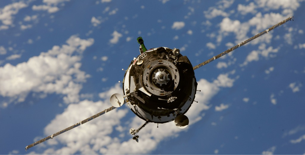 Una Soyuz TMA-M, la ms reciente actualizacin de la veterana nave rusa, se acerca a la Estacin Espacial Internacional el 9 de octubre de 2010. Foto: NASA.