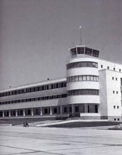 La torre de control del aeropuerto internacional de Tehern-Mehrabad en 1958.